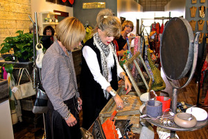Bonnie-Radow-Objects-Trunk-Show-with-customer1